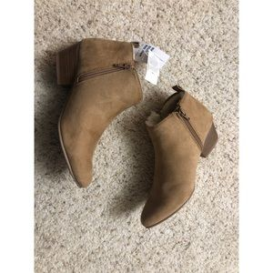 Shoes - Ankle boots with sherpa 💫 NWT